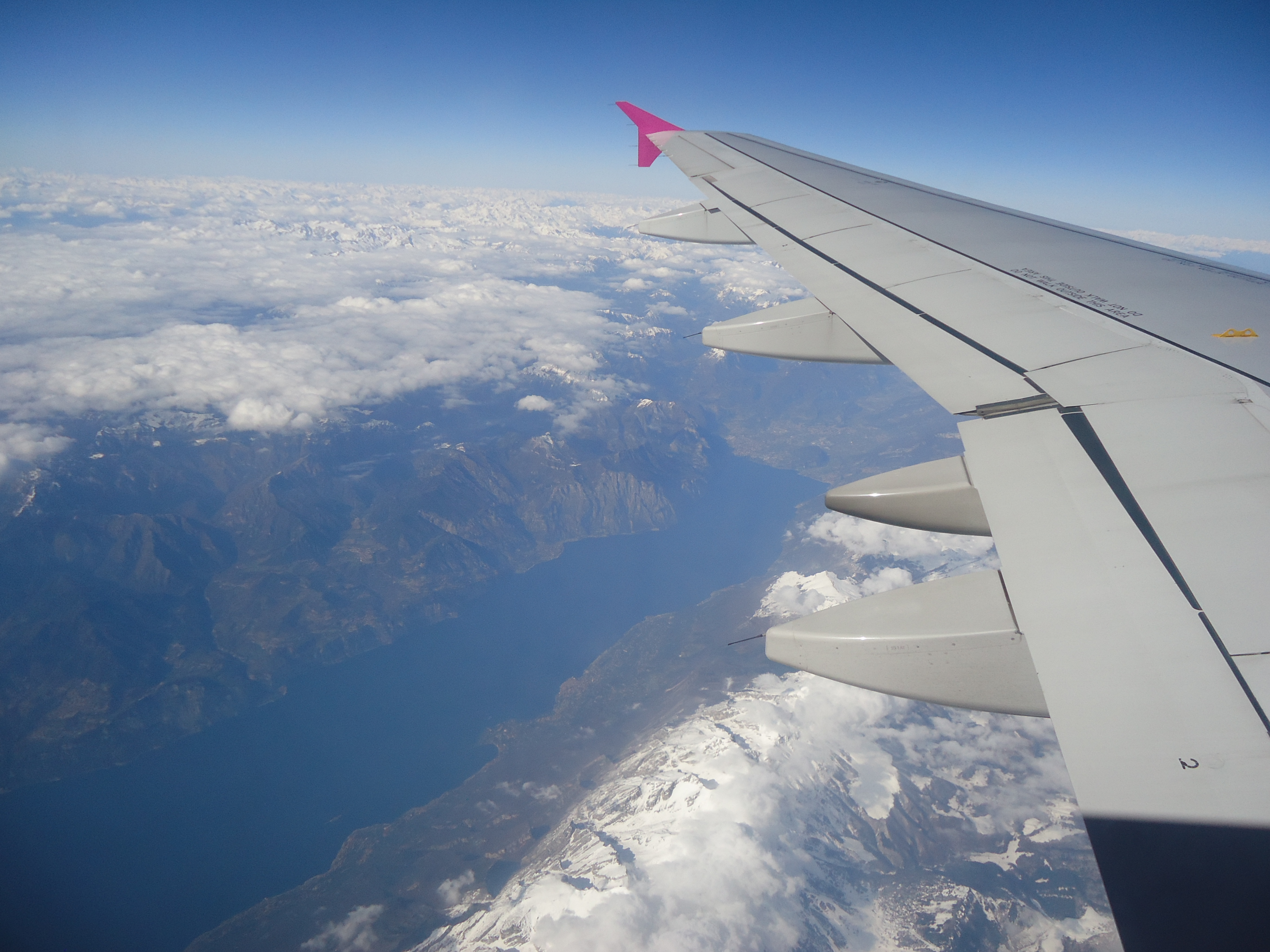 airport transfer service to lake garda